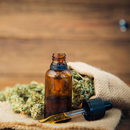 Wietolie, CBD-olie of THC olie doseren.